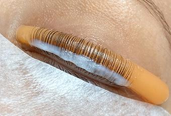 natural lash treatments